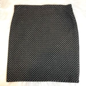 LOFT black & white small geo print stretch skirt